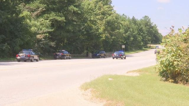 Manhunt near Mauldin Road (Aug. 22, 2017/FOX Carolina)