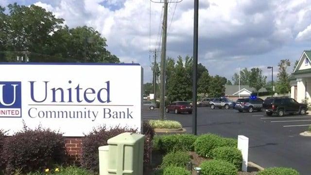 Robbery at United Community Bank (Aug. 23, 2017/FOX Carolina)