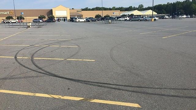 Scene of fatal incident at Walmart on Sandifer Blvd. (8/26/17 FOX Carolina)