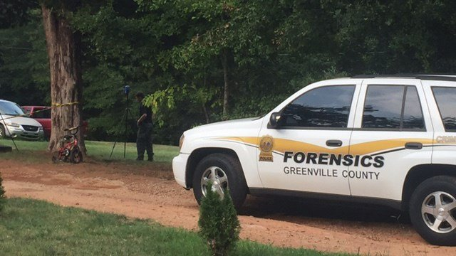 Scene of shooting on Long Rd. (8/26/17 FOX Carolina)