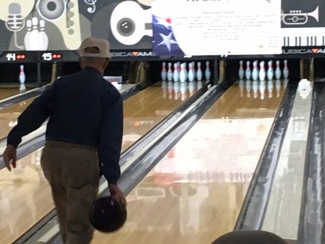 Jim McGuffin bowling (Aug. 29, 2017/FOX Carolina)