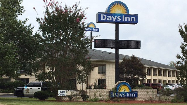Days Inn on Outlet Road. (9/10/17 FOX Carolina)