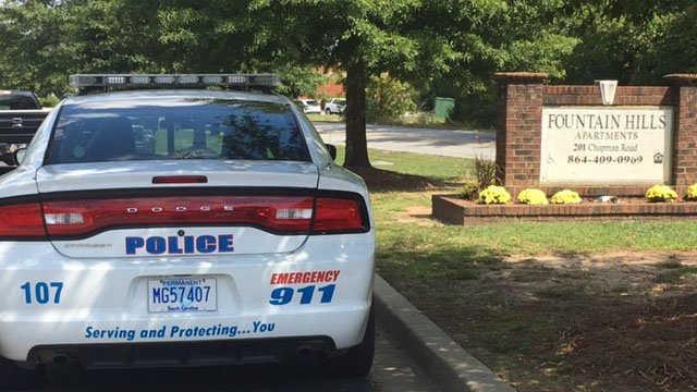 Police on scene at Fountain Hills apartments (Sep. 18, 2017/FOX Carolina)
