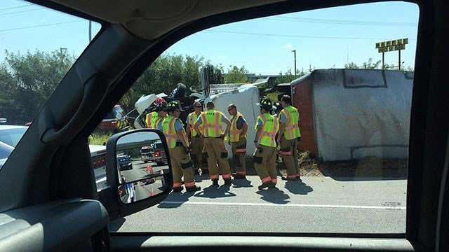 Truck overturned on I-85 (Sep. 18, 2017/FOX Carolina)