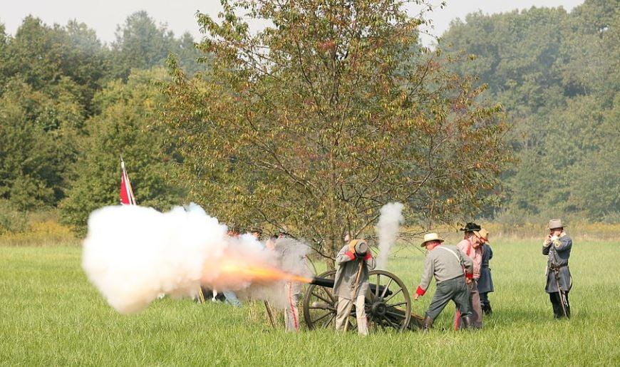 Civil War Reenactment (Source: Wikimedia Commons/ Daniel Schwen )