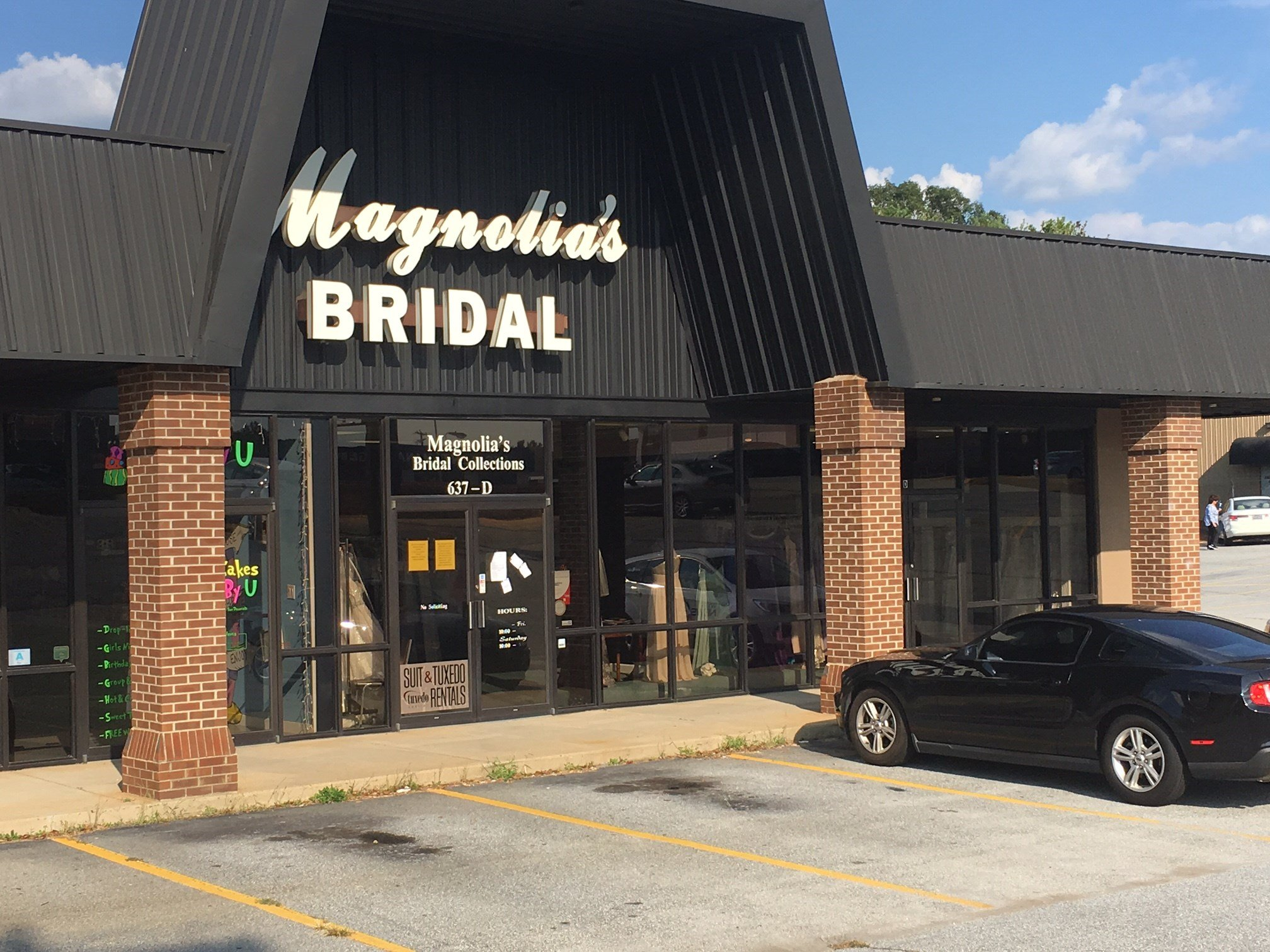 Magnolia's Bridal (FOX Carolina/ 9/22/17)