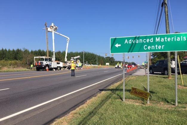 Power crews working on the utility pole on US 76 (FOX Carolina/ Sep. 28, 2017)