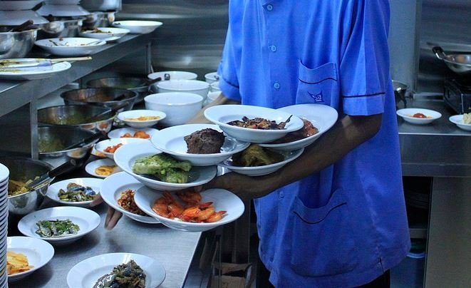 Waiter (Source: Wikimedia Commons)