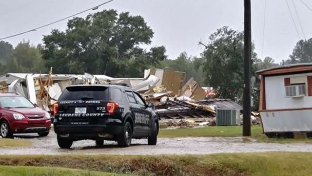 Storm damage at a mobile home park on Curry Road in Laurens. (10/8/17 FOX Carolina)