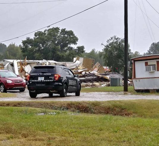 Storm damage at Town & Country mobile home park. (Source: Eyewitness)