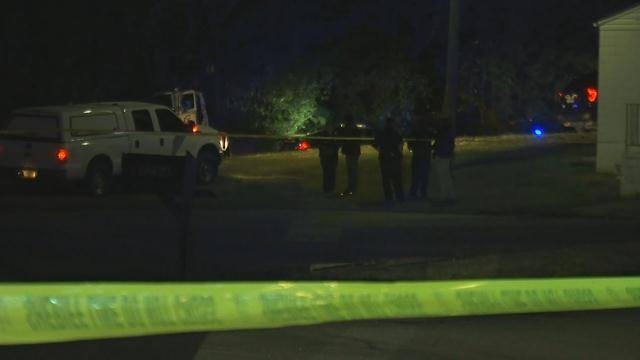 Deputies on scene of Poplar Drive Ext (FOX Carolina/ October 17, 2017)