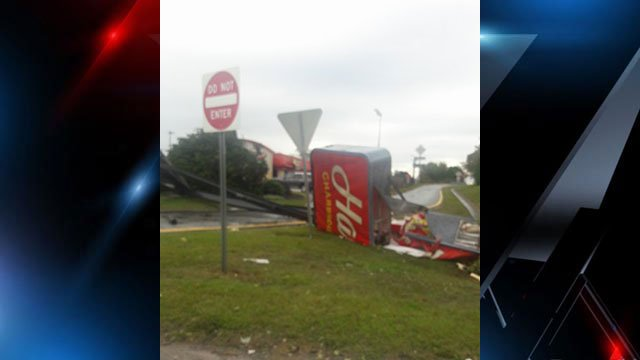Damaged Hardee's sign in Spartanburg County (Source: iWitness)