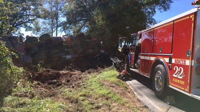 Scene of overturned crane in Anderson. (10/24/17 FOX Carolina)