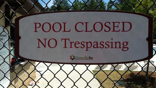 A sign shows that Otter Creek Water Park is closed. (Aug. 10, 2011/FOX Carolina)
