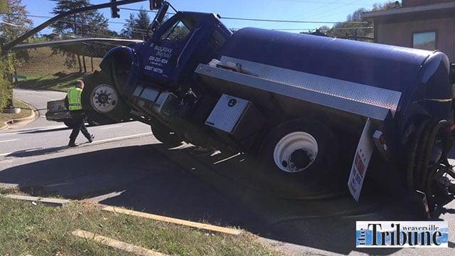 Weaverville tanker sinkhole (Source: The Weaverville Tribune)