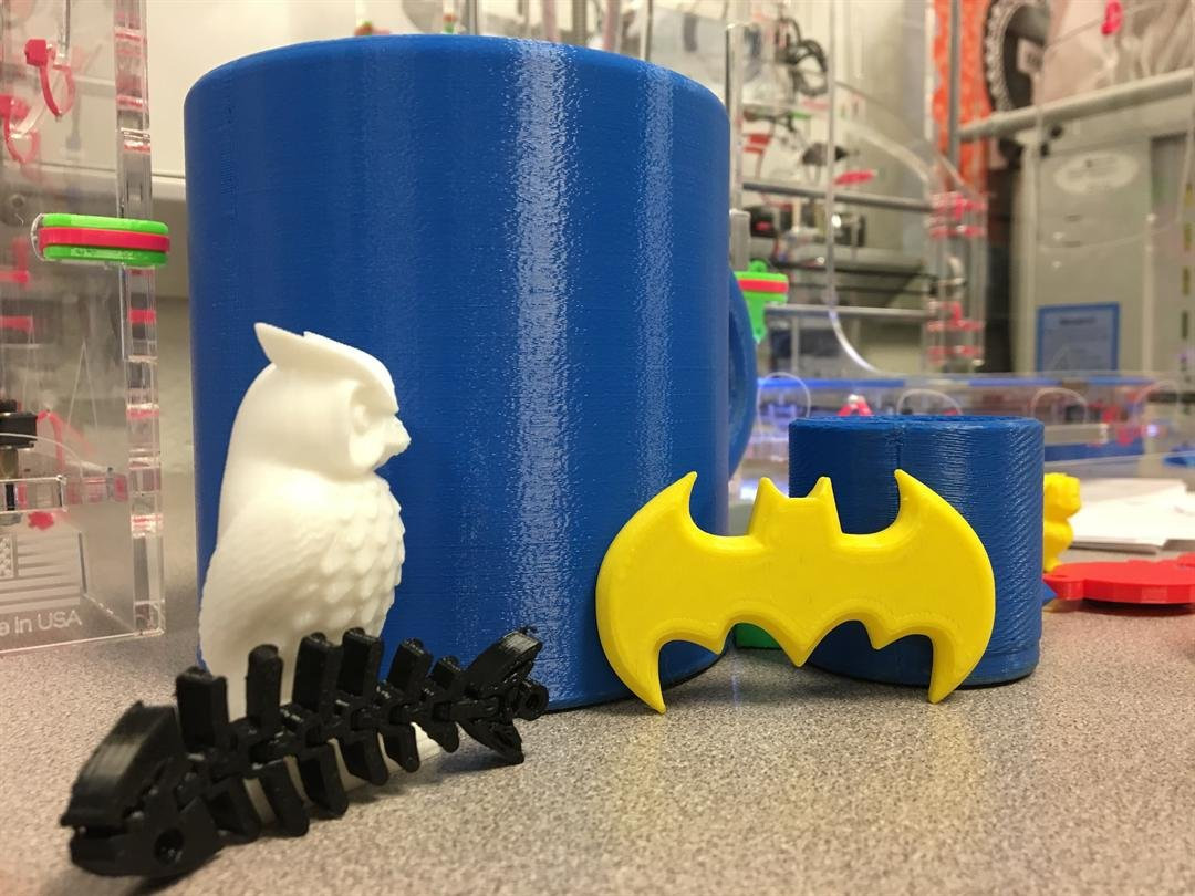 Students and teachers at Chesnee Middle School using 3-D printers for hands on learning (FOX Carolina: 11/1/2017).