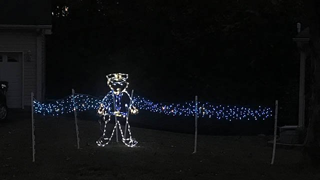 Blue Christmas lights in Simpsonville (FOX Carolina/11/2/17)