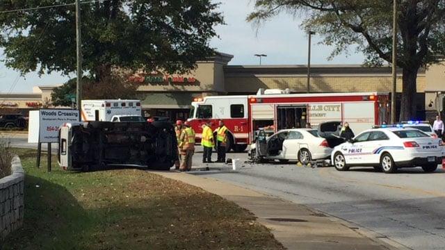 Overturned vehicle on Congaree Road (Nov. 15, 2017/FOX Carolina)