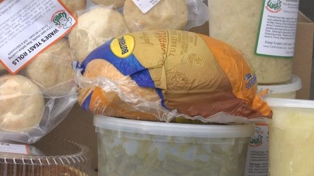Volunteers deliver Thanksgiving meals to in-home hospice patients (FOX Carolina)