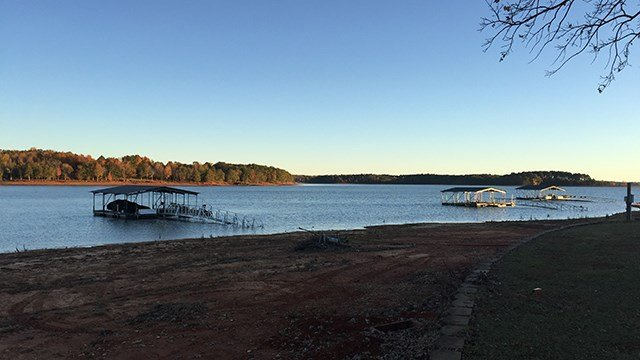 Lake Hartwell scene. (11/19/17 FOX Carolina)