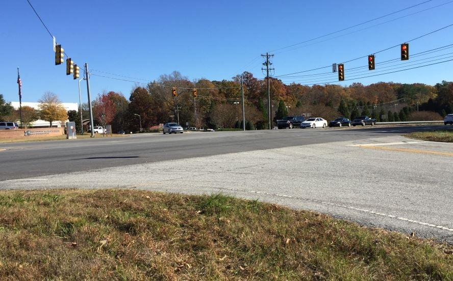 US 76 at Queen Street (FOX Carolina)