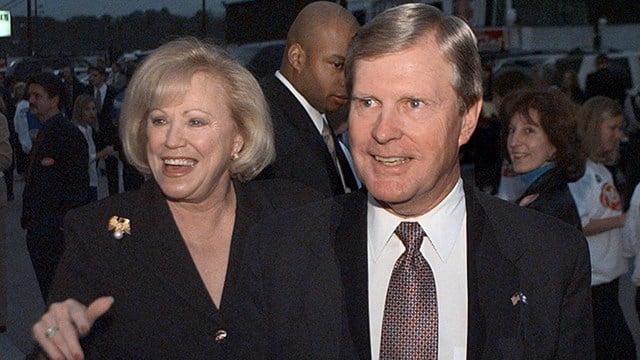 Iris and Carroll Campbell (Source: Associated Press)