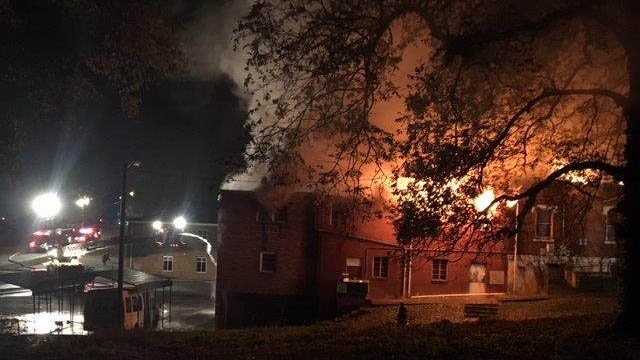 Crews battle massive fire at Gaffney church (FOX Carolina/ 11/23/17)
