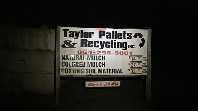 Scene of fire at recycling center (FOX Carolina/ 11/25/17)