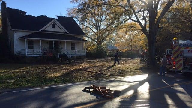 Scene of Newberry County house fire (Nov. 27, 2017/FOX Carolina)