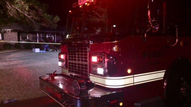 Scene of house fire in Chesnee (FOX Carolina/ 11/29/17)