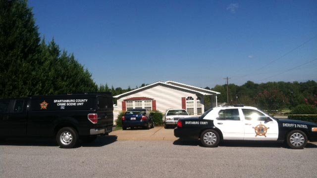 Deputies back on shooting scene at Falcon Ridge home. (Sept. 30, 2011/FOX Carolina)