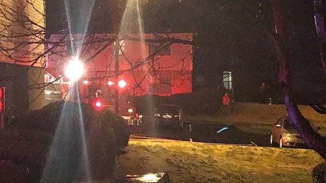 Crews respond to fire at Chimney Apartments in Taylors (FOX Carolina/ 12/10/17)