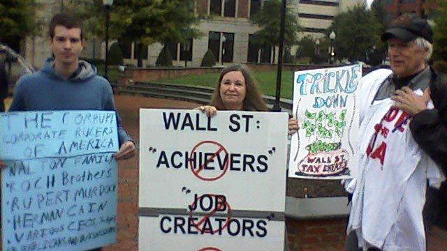 Occupy Spartanburg protesters come out in the rain in Spartanburg. (Oct. 13, 2011/FOX Carolina)