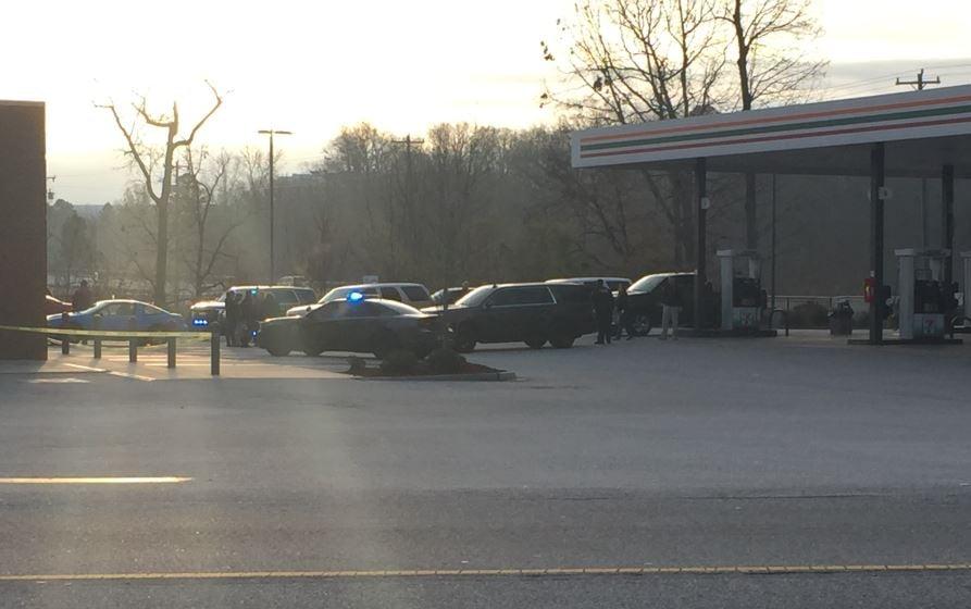 Police on scene in Simpsonville (FOX Carolina/ Dec. 22, 2017)