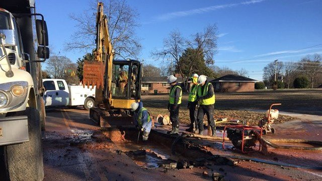 Public works crews say cold is slowing them down (FOX Carolina)