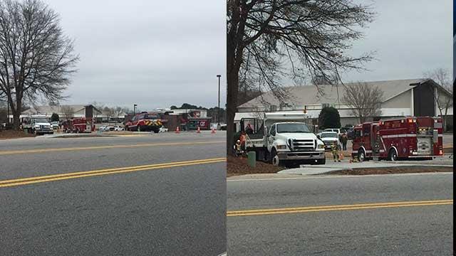 Crews on scene investigating the natural gas leak. (FOX Carolina/Jan. 3, 2018).