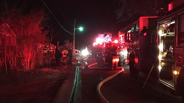 Crews respond to house fire in Spartanburg Co. (FOX Carolina/ 1/3/18)