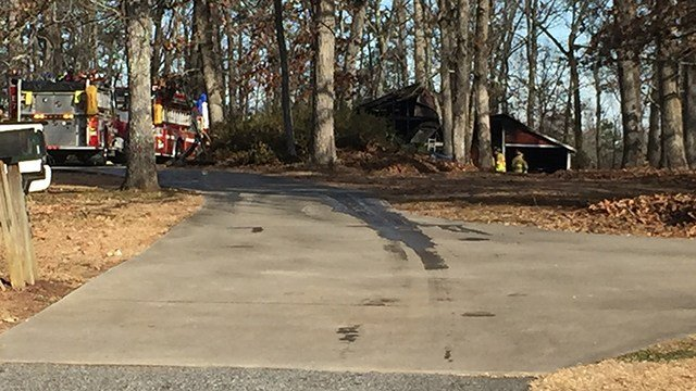 Fire crews respond to barn fire on Highway 81 North. (1/7/18 FOX Carolina)