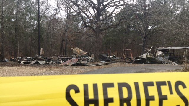 Scene of deadly McCormick County house fire (Jan. 8, 2017/FOX Carolina)