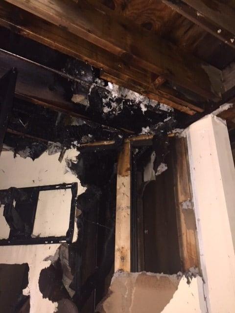 Fire at off-campus apartments (Jan. 9, 2018/FOX Carolina)