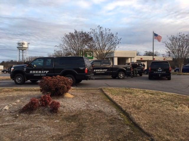 Robbery at TD Bank (Jan. 10, 2018/FOX Carolina)