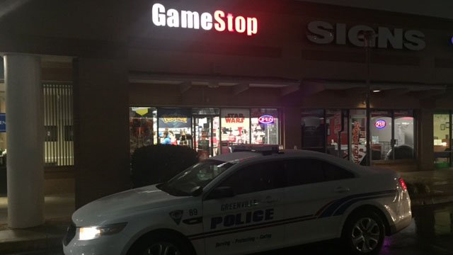 Police respond to armed robbery at Greenville Gamestop. (FOX Carolina/ 1/11/18)