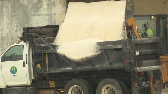 DOT trucks filling up with sand to dump on roads to melt black ice (FOX Carolina/ 1/17/18)