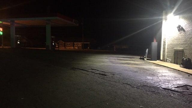 Coroner responds to crash scene in Seneca (FOX Carolina/ 1/18/18)