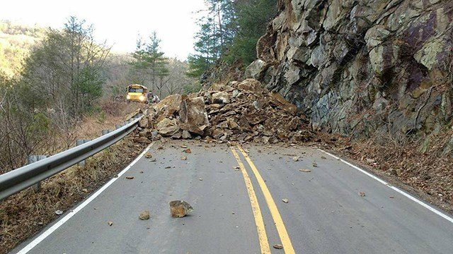Crews respond to rock slide on NC 209 Highway. (Credit: Madison Co. 911)