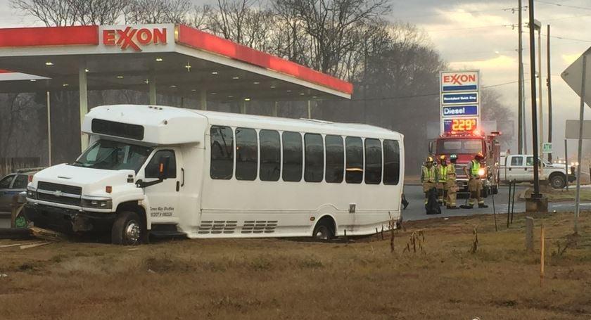 Scene of the crash in Seneca (FOX Carolina/ Jan. 29, 2018)