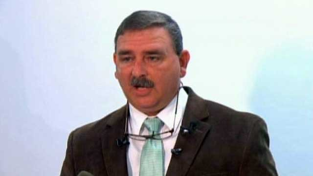 Spartanburg Co. Sheriff Chuck Wright talks to the media. (Oct. 31, 2011/FOX Carolina)