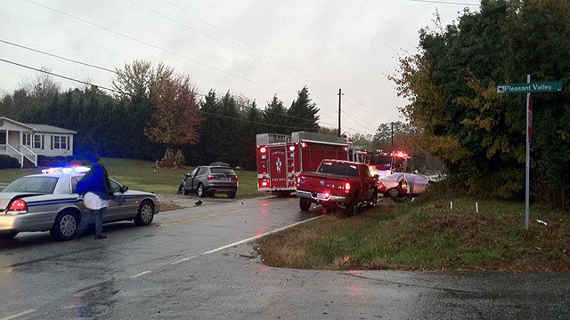 Scene of fatal accident at Old Pacolet and Pleasant Valley roads in Cowpens. (Nov. 4, 2011/FOX Carolina)