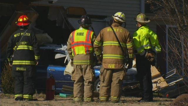 Tow truck removes suspect vehicle from home (FOX Carolina/ Feb. 5, 2018)