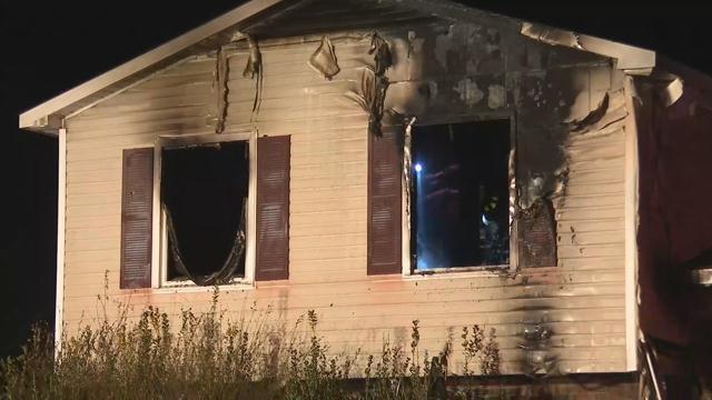 Scene of fire in Roebuck (FOX Carolina/ Feb. 9, 2018)